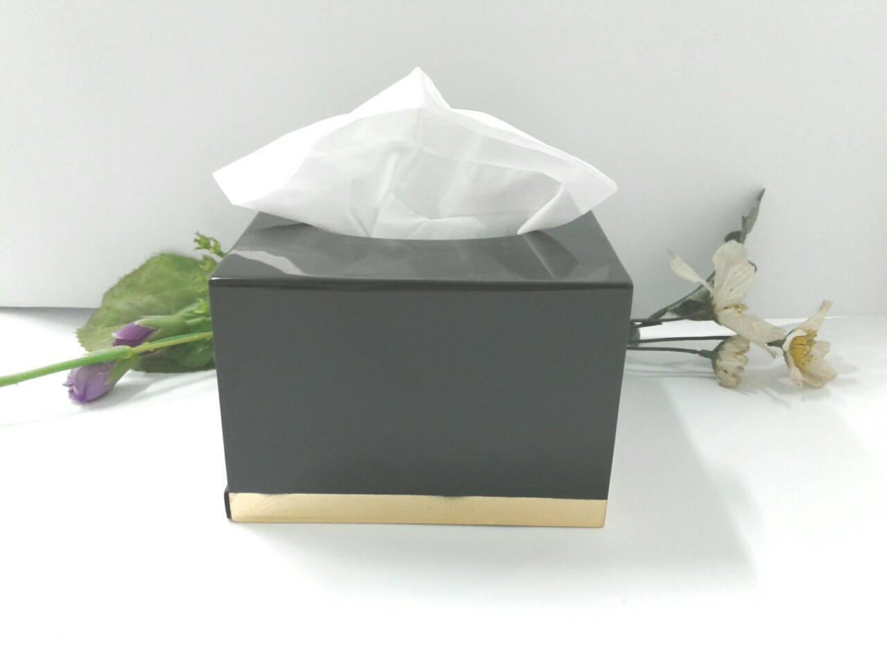 Hộp khăn giấy rút